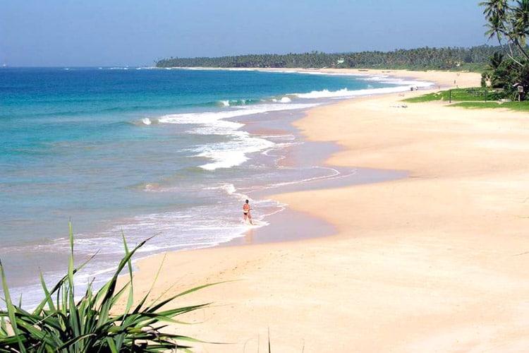 sri-lanka-christi-tours-10n-11d-tour-koggala-beach