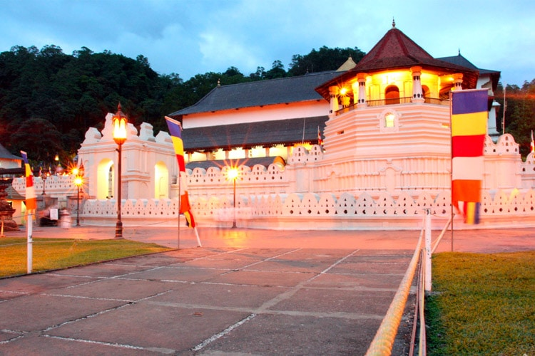 sri-lanka-christi-tours-15n-16d-tour-kandy