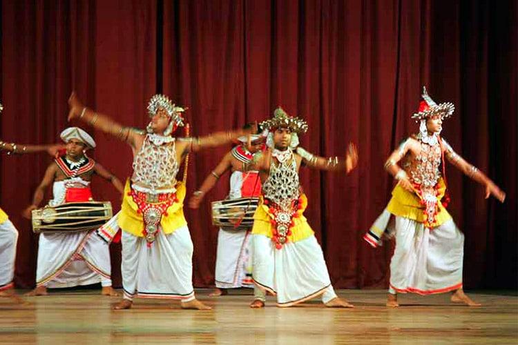 sri-lanka-christi-tours-6n-7d-a-tour-kandy