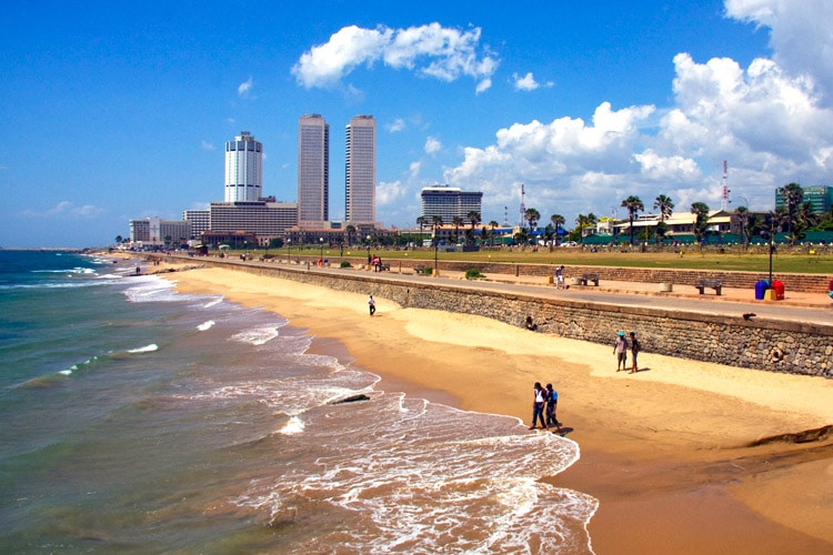 sri-lanka-christi-tours-sri-lanka-day-tours-colombo-galle-face-green