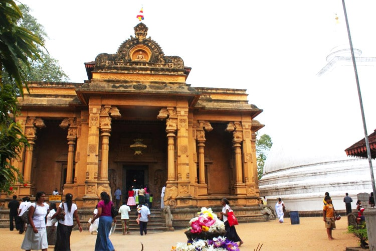sri-lanka-christi-tours-sri-lanka-day-tours-colombo-kelaniya-temple