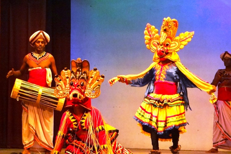 sri-lanka-christi-tours-sri-lanka-day-tours-kandy-cultural-show